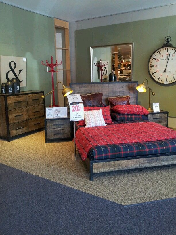 I Like The Clock And Caddy Corner Bed
