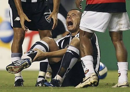 12 Of The Worst Soccer Injuries Of All Times Soccer Injury Worst Injury Soccer Injuries Oddee Soccer Injuries Sports Injury Sports