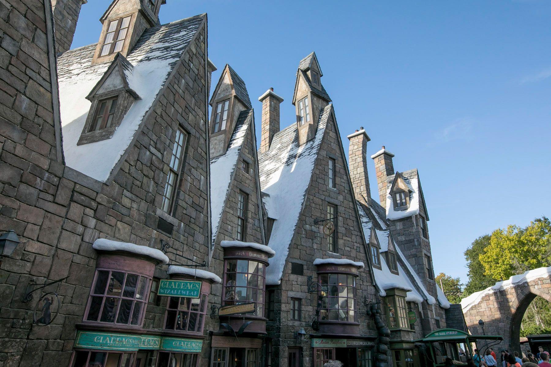 Auf Den Spuren Von Harry Potter Diese Drehorte Musst Ihr Sehen Hogsmeade Harry Potter Cathedral