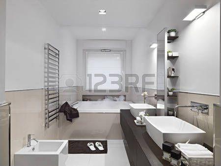 Risultati immagini per bagno con vasca sotto finestra  casa  Pinterest  Finestra, Bagno e ...