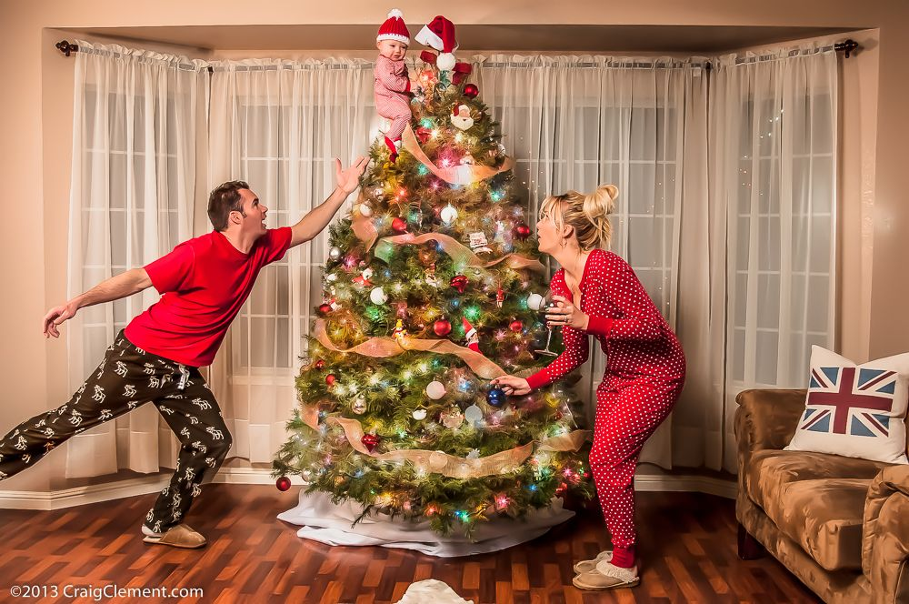12 Hilarious Family Christmas Cards That Will Make You Laugh Out ...