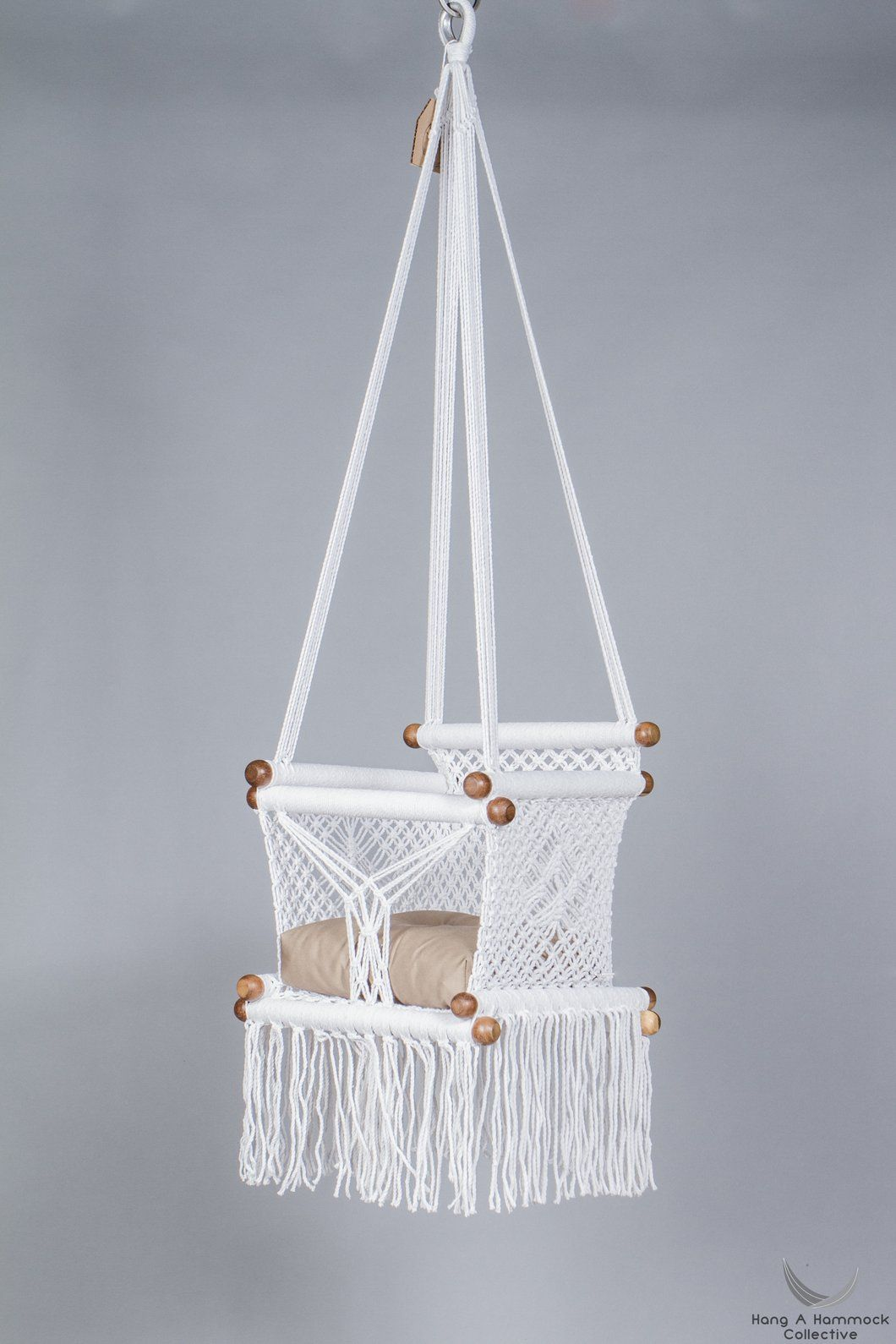 Baby swing chair in pure white baby swings swing chairs and babies