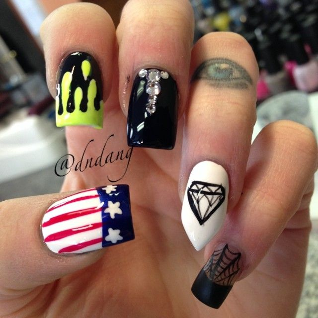 Love the black and the diamond nails. | Stuff for me | Pinterest ...