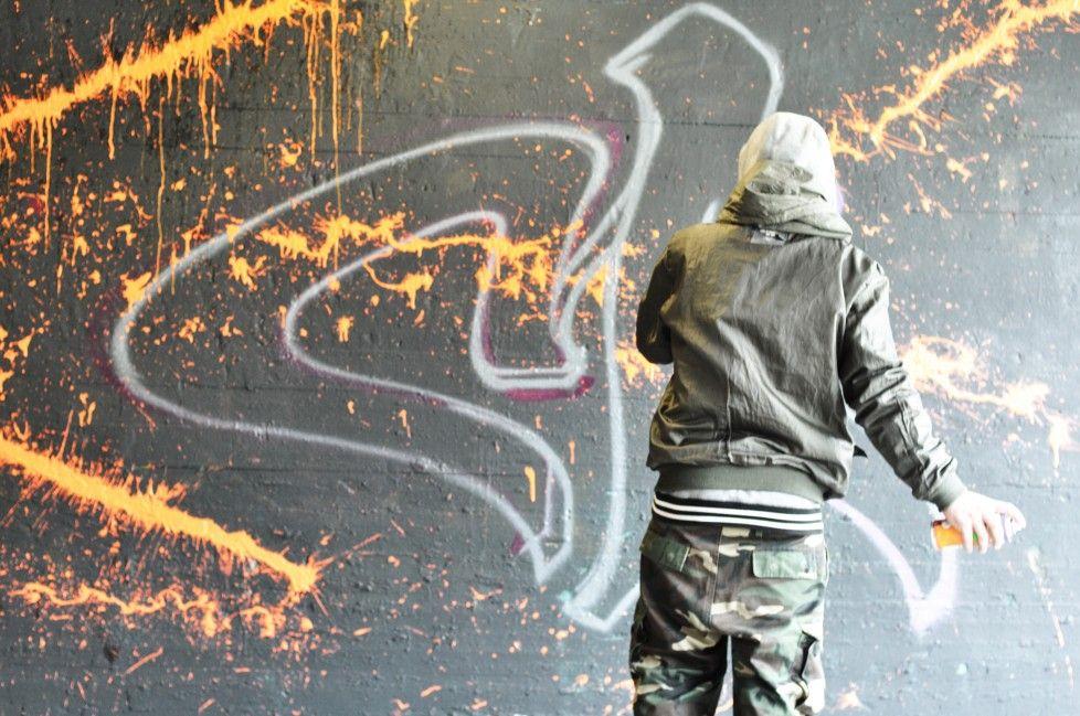 Collega artiest Mist aan het werk.