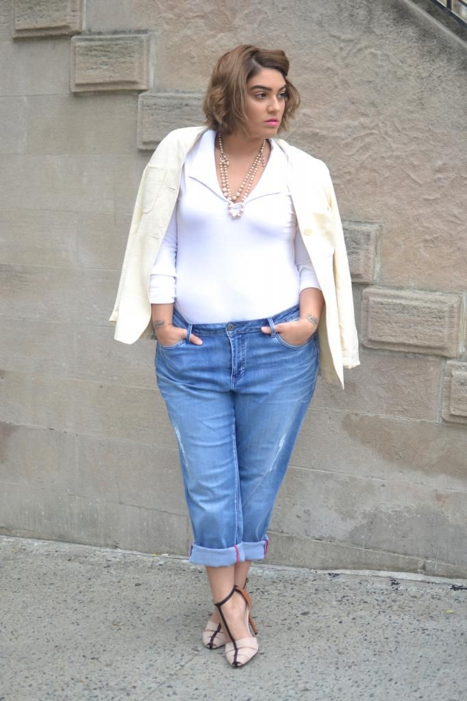 nadia aboulhosn: boyfriend jeans and a bodysuit | Curvy Outfits ...