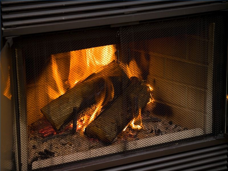 Should a Fireplace Flue Damper Always Be Completely Open