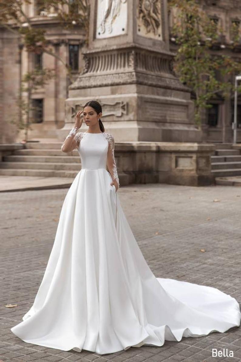 Classic Satin Wedding Dress Classic White Wedding Dress Etsy Classy Wedding Dress Queen Wedding Dress Satin Bridal Gowns [ 1191 x 794 Pixel ]