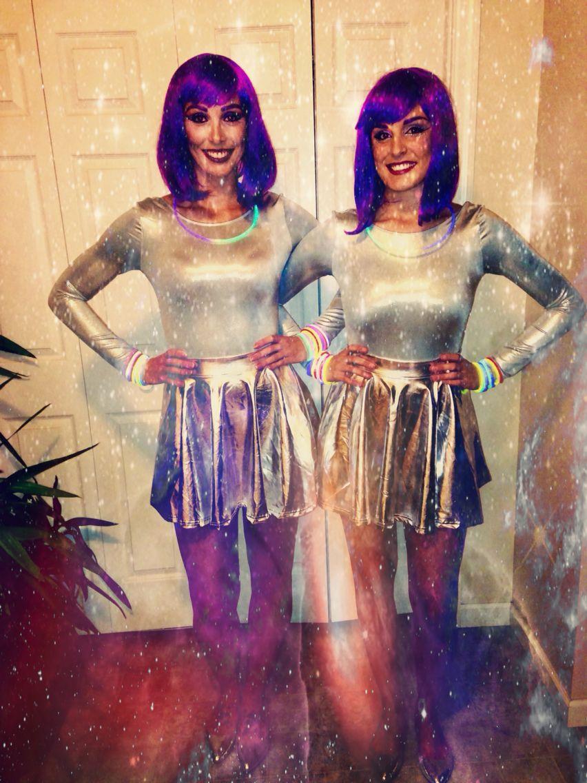 alien halloween costume for girls diy costumeforfriends. Black Bedroom Furniture Sets. Home Design Ideas