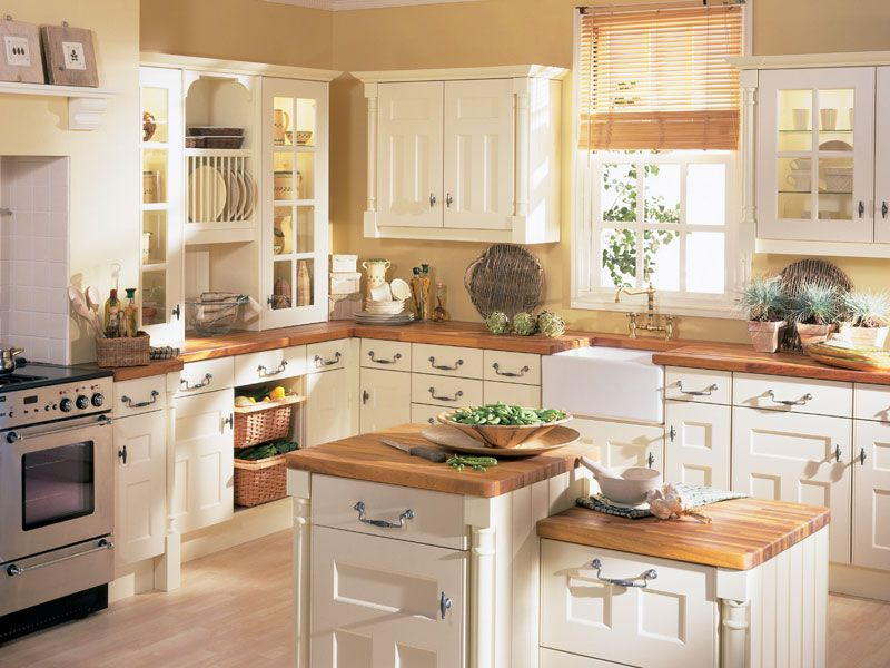 Own One Of These Traditional Kitchen Designs Photo Gallery As Your Pride  For City Area: Bamboo Roller Window Blind With White Cabinets Feat Wooden  ... Part 94
