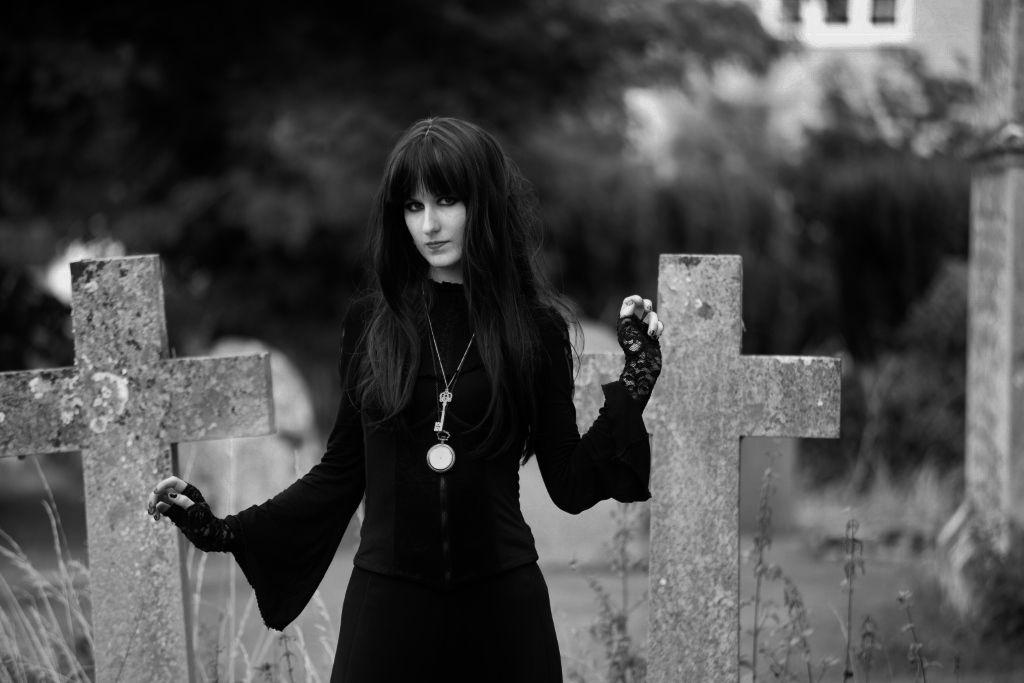 Model: Chloë Noir Photo: Rafal Klas  Goth shoot at cemetery.
