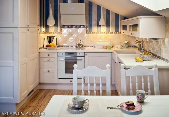 Aranzacja Kuchni Na Poddaszu Z Tapeta Cozy Kitchen Home Kitchen
