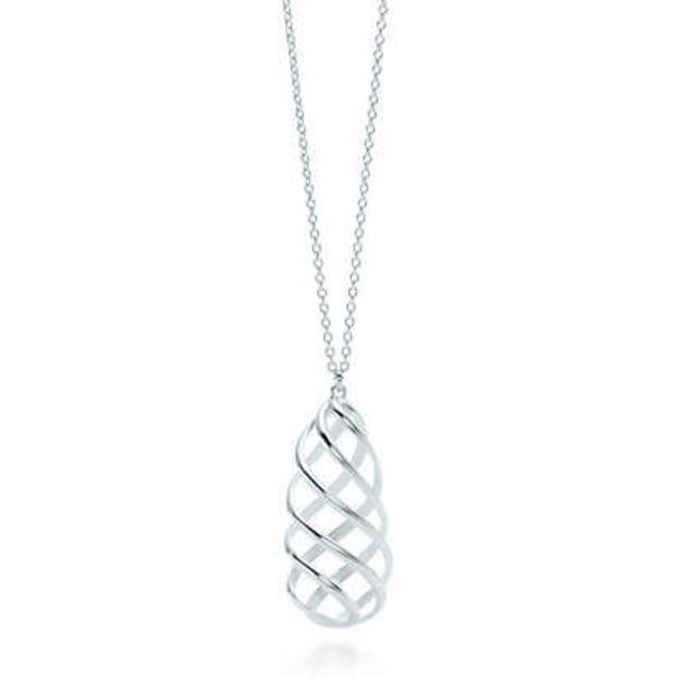 81a2f8560 Tiffany & Co. - Paloma's Venezia Luce pendant in sterling silver, medium.