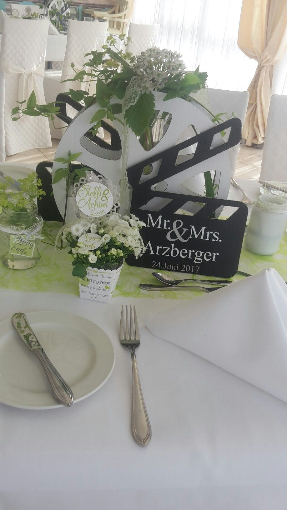 Tischdeko Fur Eine Hochzeit Mit Dem Motto Film Und Fernsehen Hochzeit Motto Film Hochzeit Kino Hochzeit