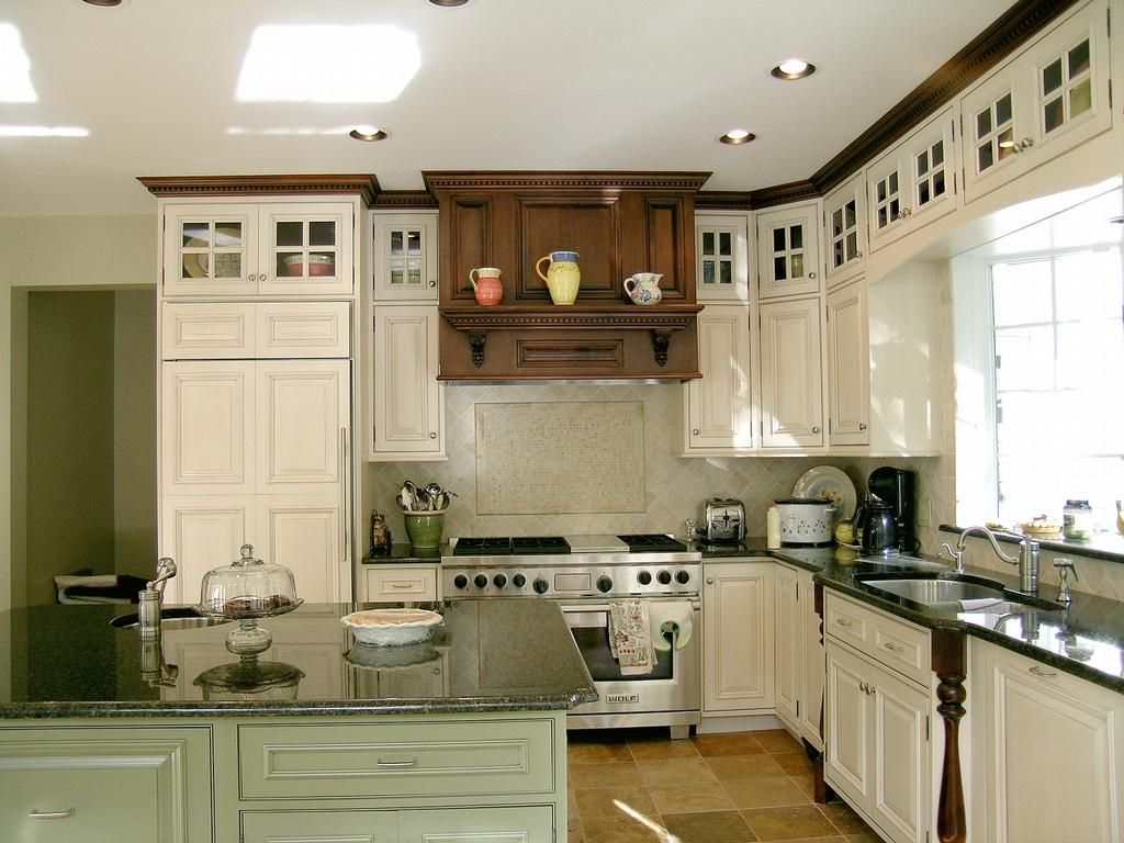 and trim colors in kitchen with Glaze, Sage