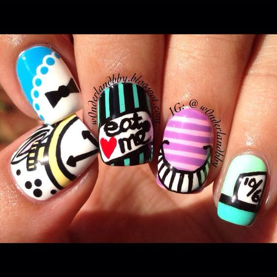 Alice in Wonderland nail art!!!!!!!: | Bianca | Pinterest ...