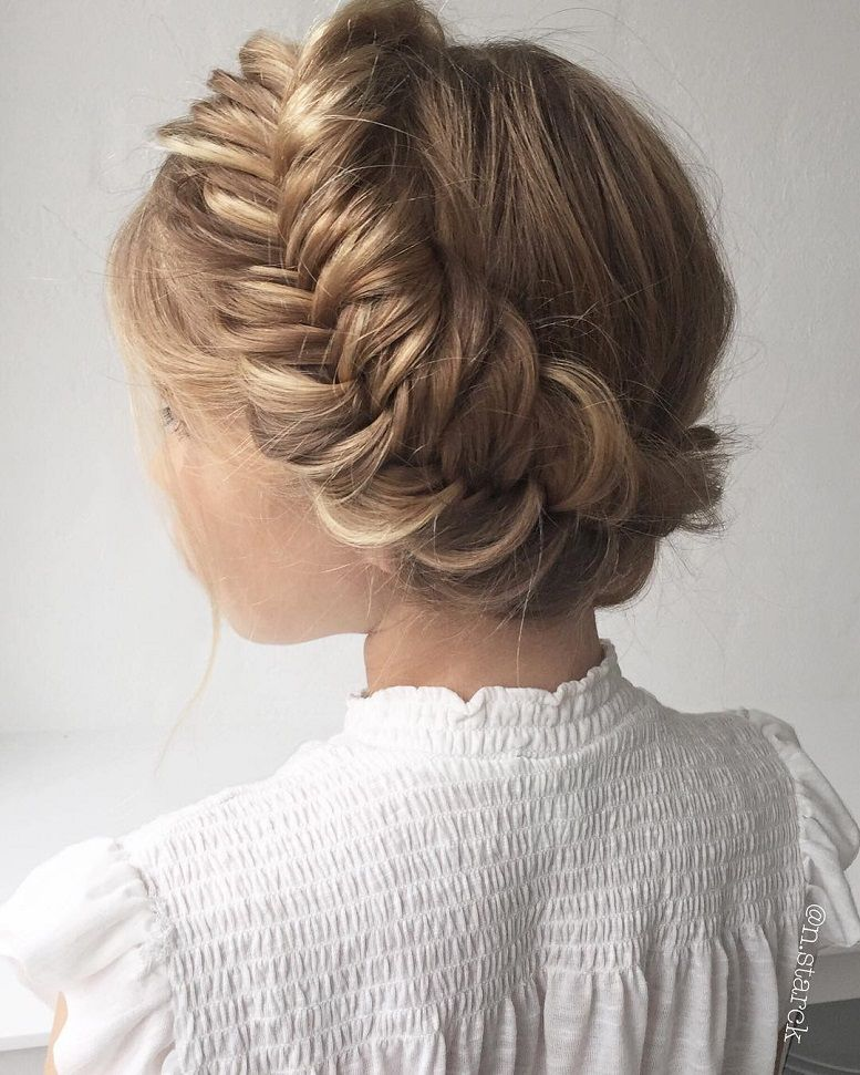 39 Trendy + Messy & Chic Braided Hairstyles – A chunky Crown Braid