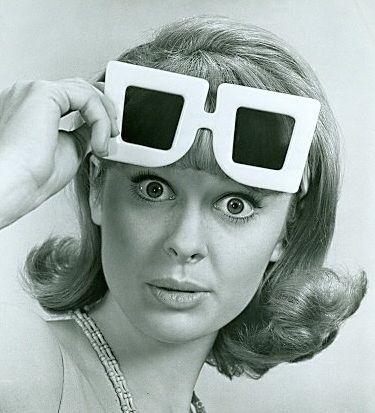 Debbie Watson 1965   Black and White XI   Pinterest   Óculos de sol ... 53dc57752e