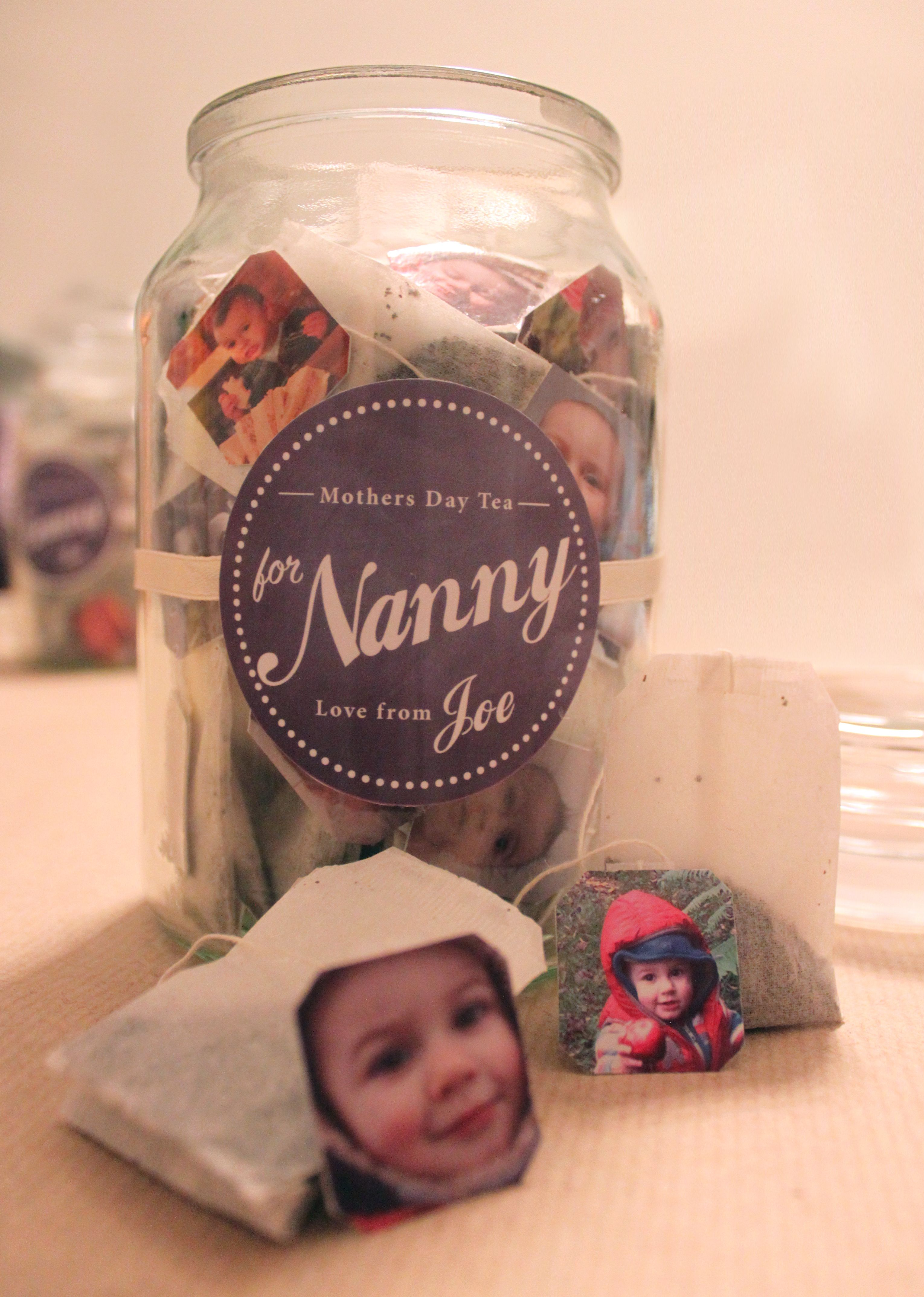 Mothers day - tea bags with tags. Glue on photos of loved ...