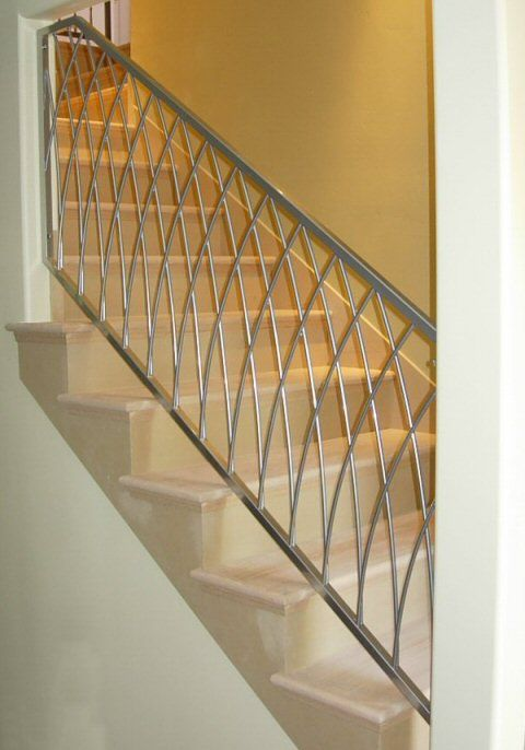 Best Stairs Spiral Staircase 3 6M Redwood Mopstick Stair Wall 400 x 300