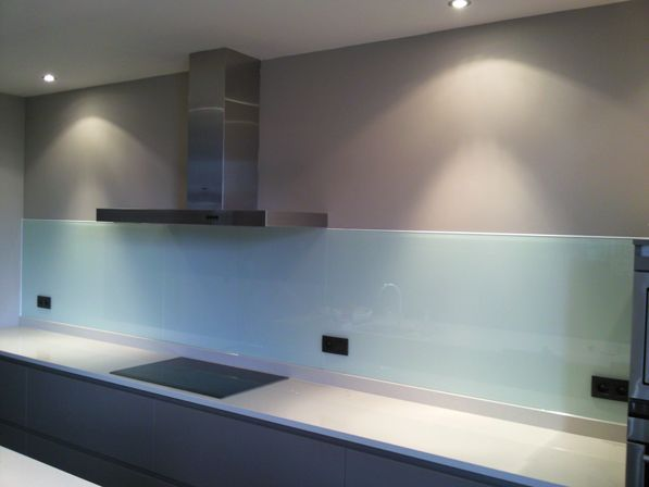 Glazen Spatwand Keuken : Glazen gekleurde spatwand keuken realisaties huizen