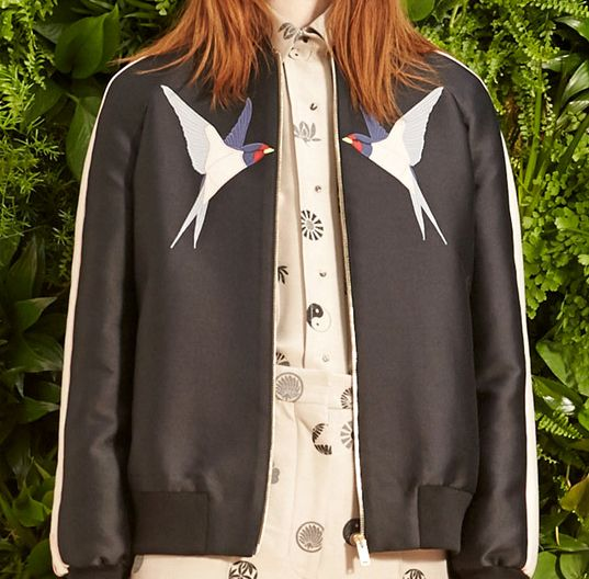 Love birds details retro sportive bomber jacket Stella McCartney Resort 2015 #Resort15 #fashion