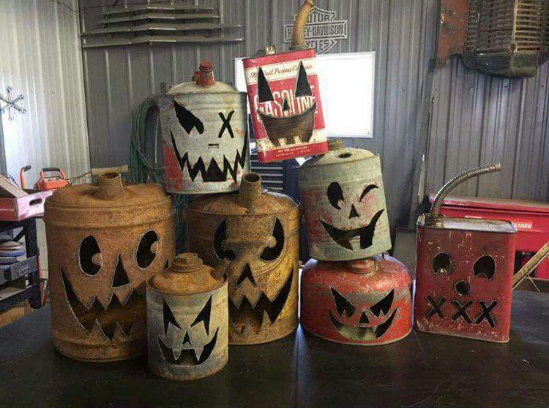 Pin By Jennifer Grauer On Lawn Art Rustic Halloween Halloween Home Decor Fall Halloween Decor
