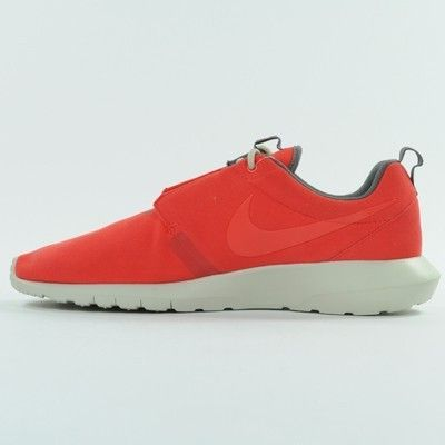 http://www.airchaussuresenligne.fr/nike-roshe-run-mouvement-homme-lumiere-crimson-universite-rouge-chaussure-gjgazb.html Nike Roshe Run Mouvement Homme Lumière Crimson / Université Rouge Chaussure