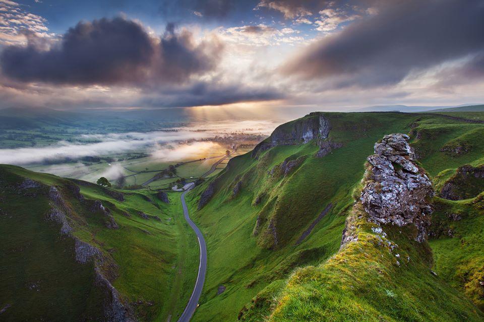 Winnats Pass Derbyshire Via Photography Of England Fb Landscape Photographers Uk Landscapes Landscape Photography