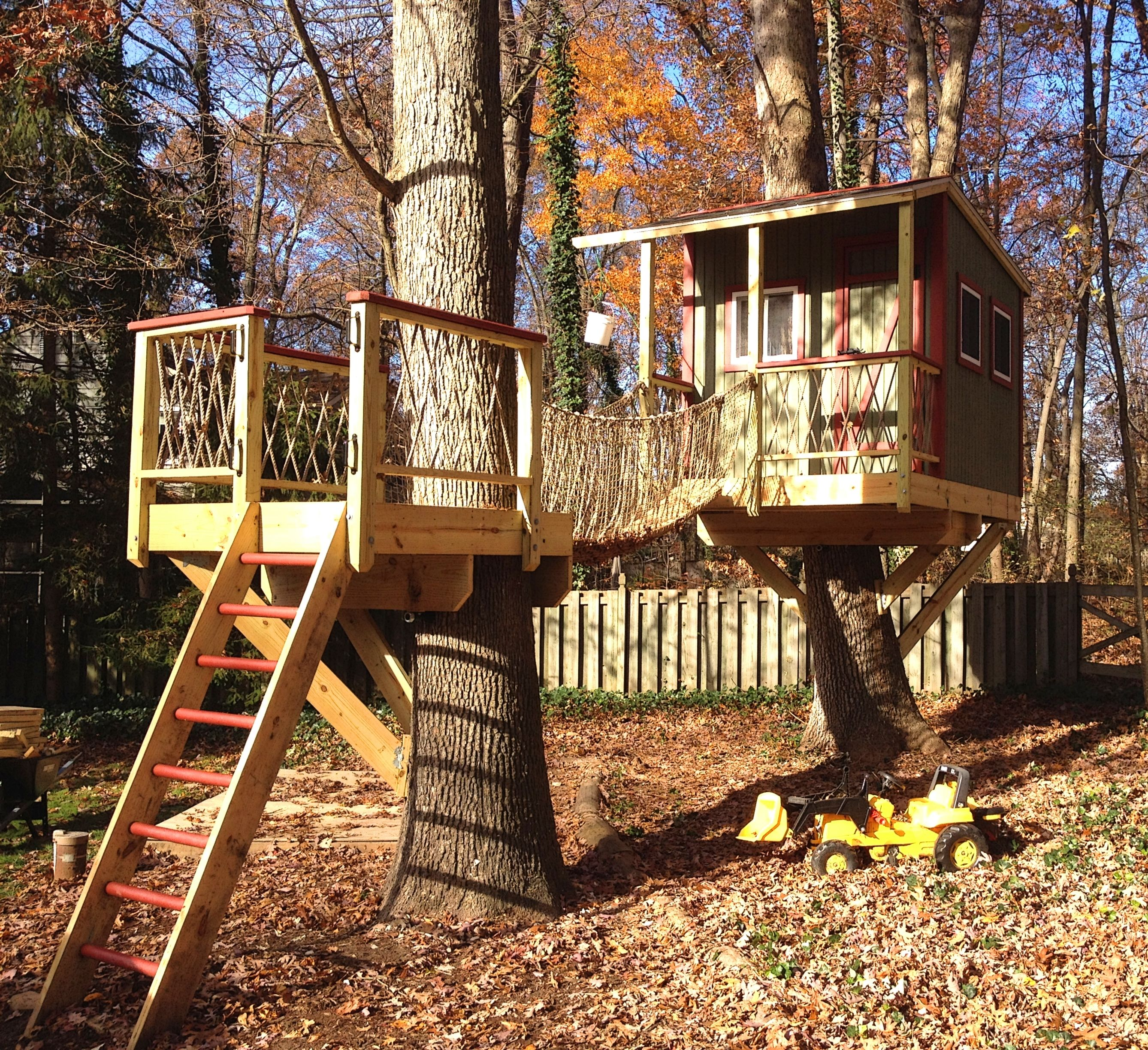 dan this first picture is of the finished treehouse a
