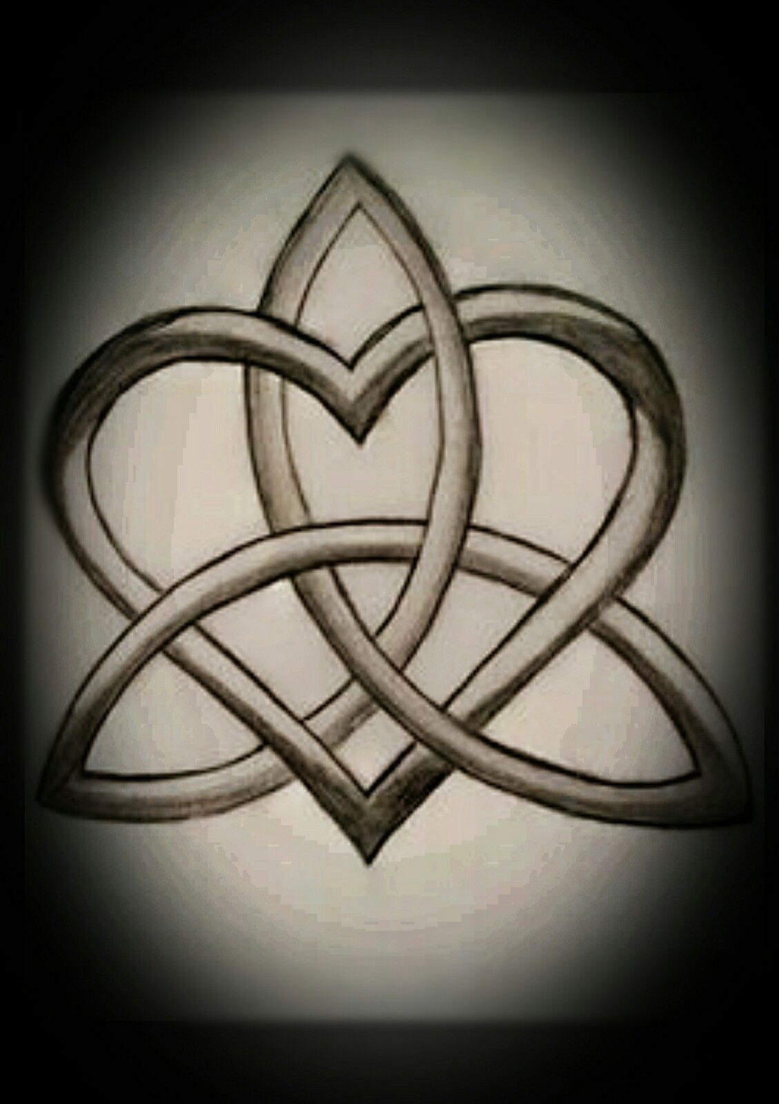 Pin By Vickie Carroll On Anything Witchy Ish Celtic Knot Tattoo Celtic Heart Tattoo Celtic Symbols