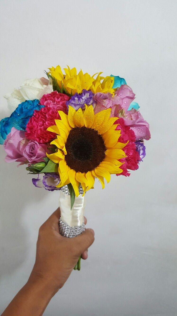 Pin by faixalcreations deco n artz on fresh flower hand bouquet hand bouquet fresh flowers hands izmirmasajfo