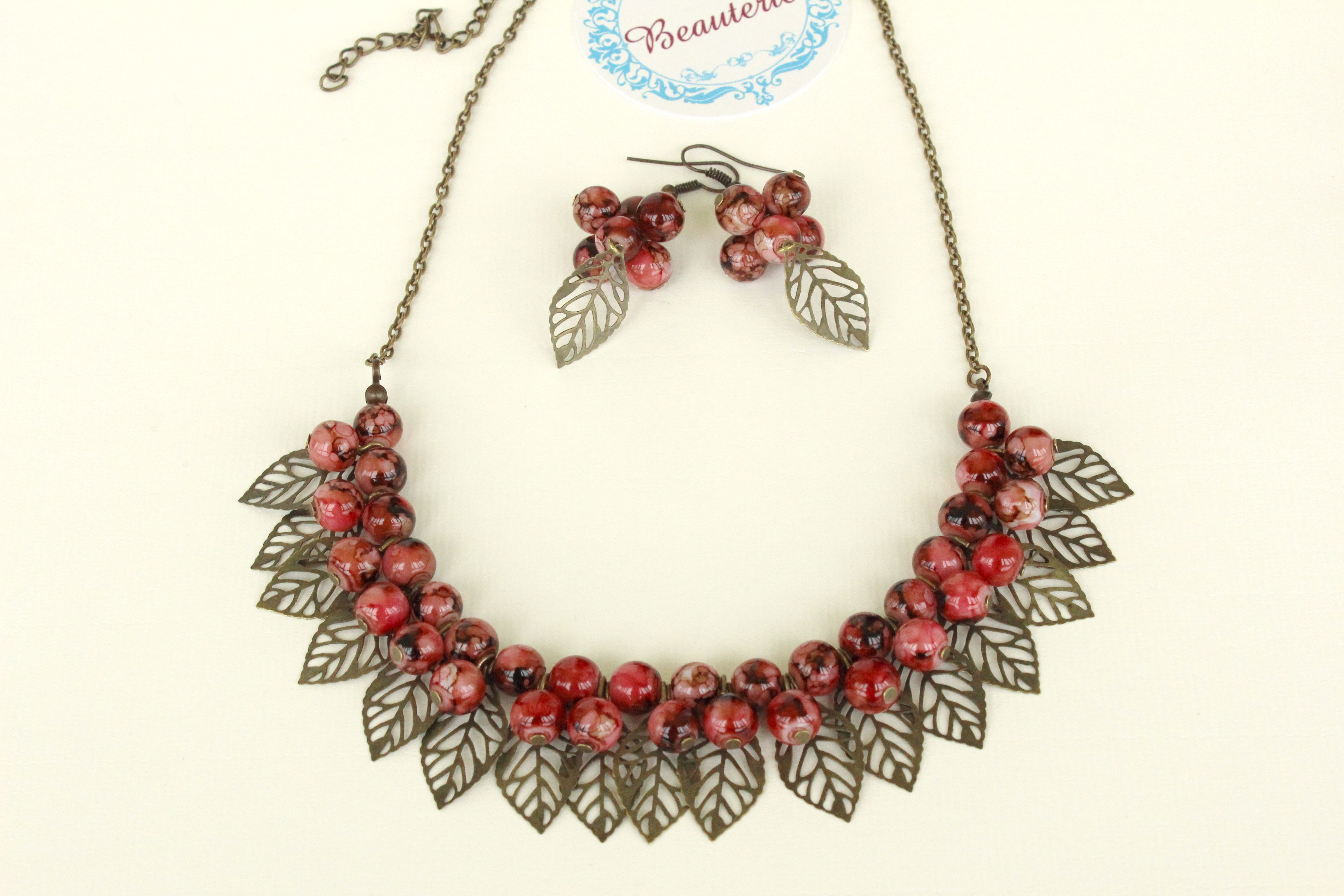Leaves beaded necklace and earrings