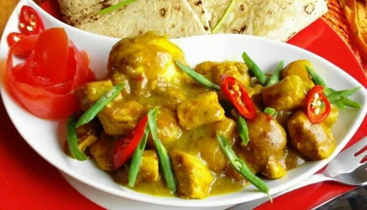 curry #spicy #roti #indian #chicken #fusion #cuisine #caribbean