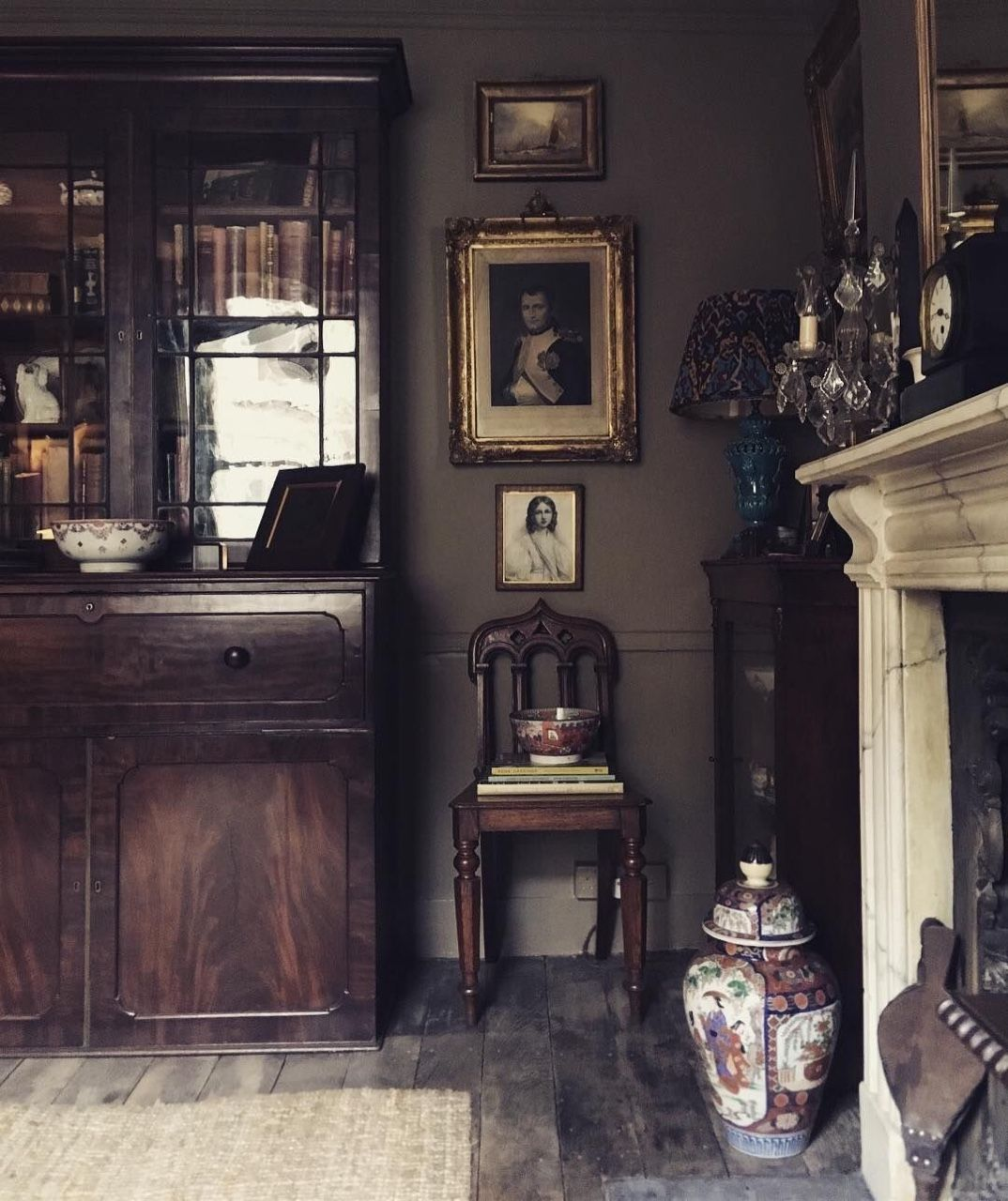 Home Interior Vintage Figurines Dark Antiques Old House Interiors Home Decor Home