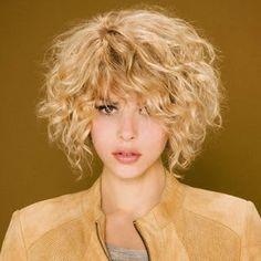 peinados para cabello rizado corto buscar con google