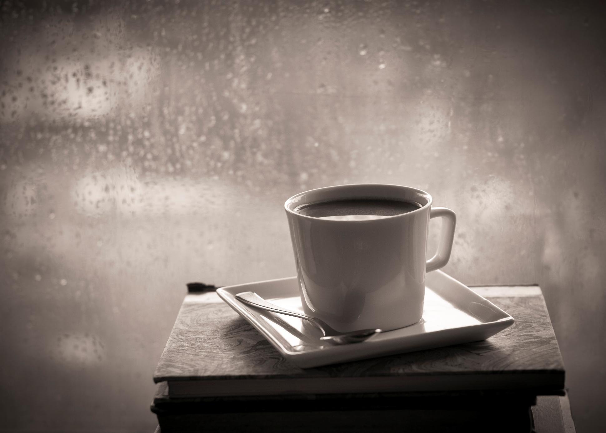 Coffee on a rainy day........ I love a rainy day