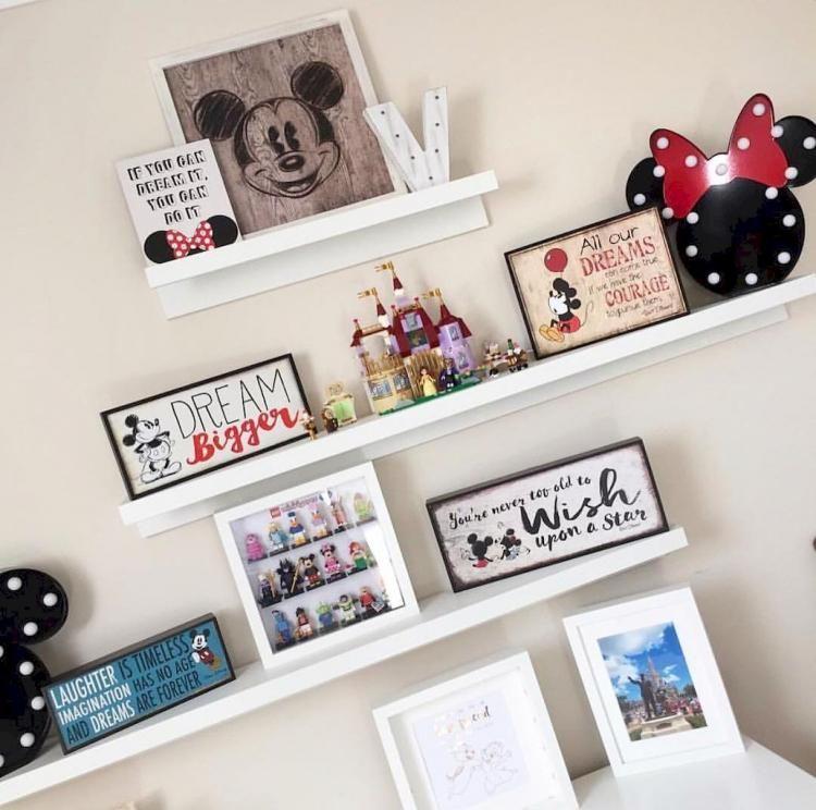 Attractive Kid S Room With Disney Theme Decorations Disney Home Decor Disney Room Decor Disney Decor