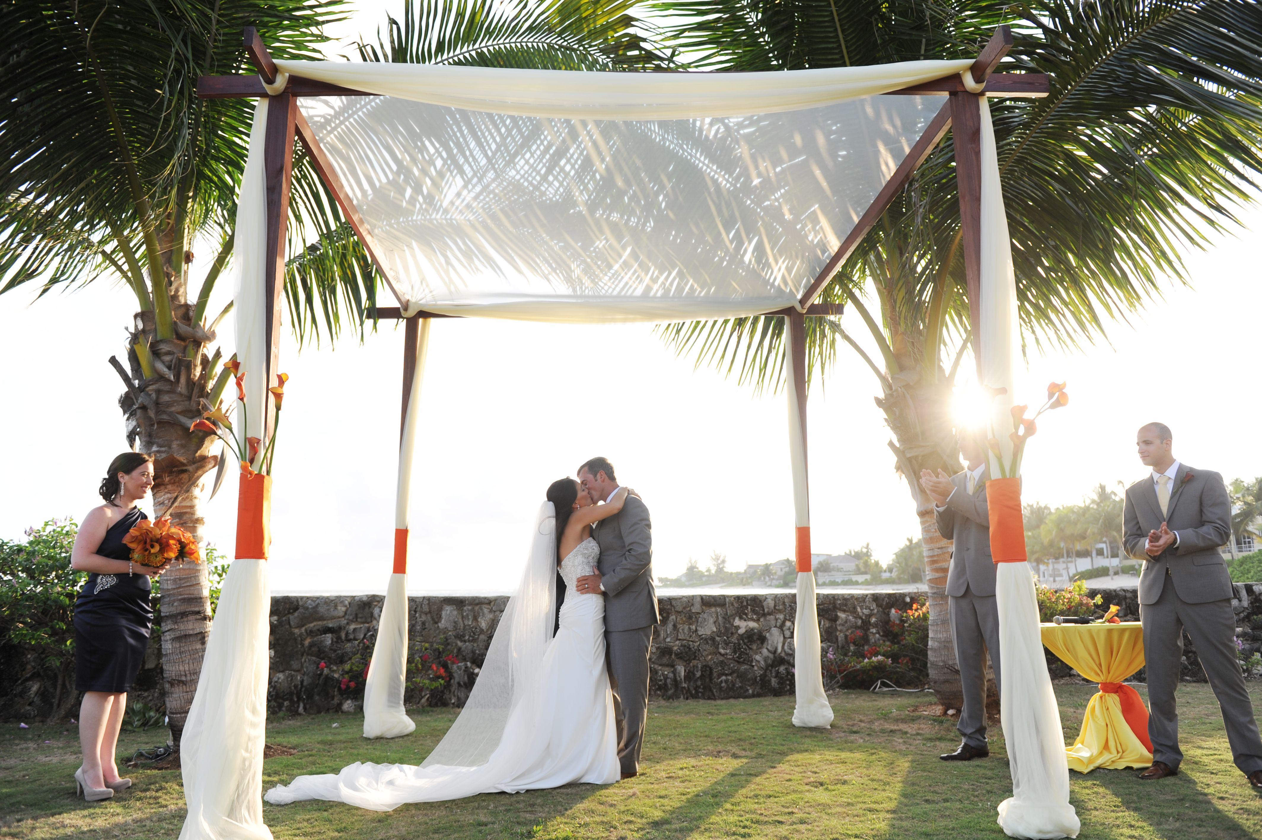 Cayman Islands Wedding Parfait Weddings And Events Sunset Bay