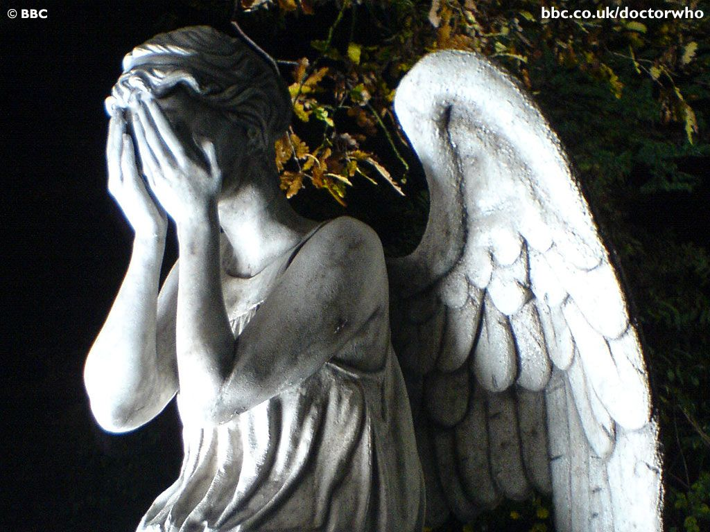 Comfy chairs doctor who - Doctor Who Weeping Angels Speaking On Weeping Angels They Re Back On