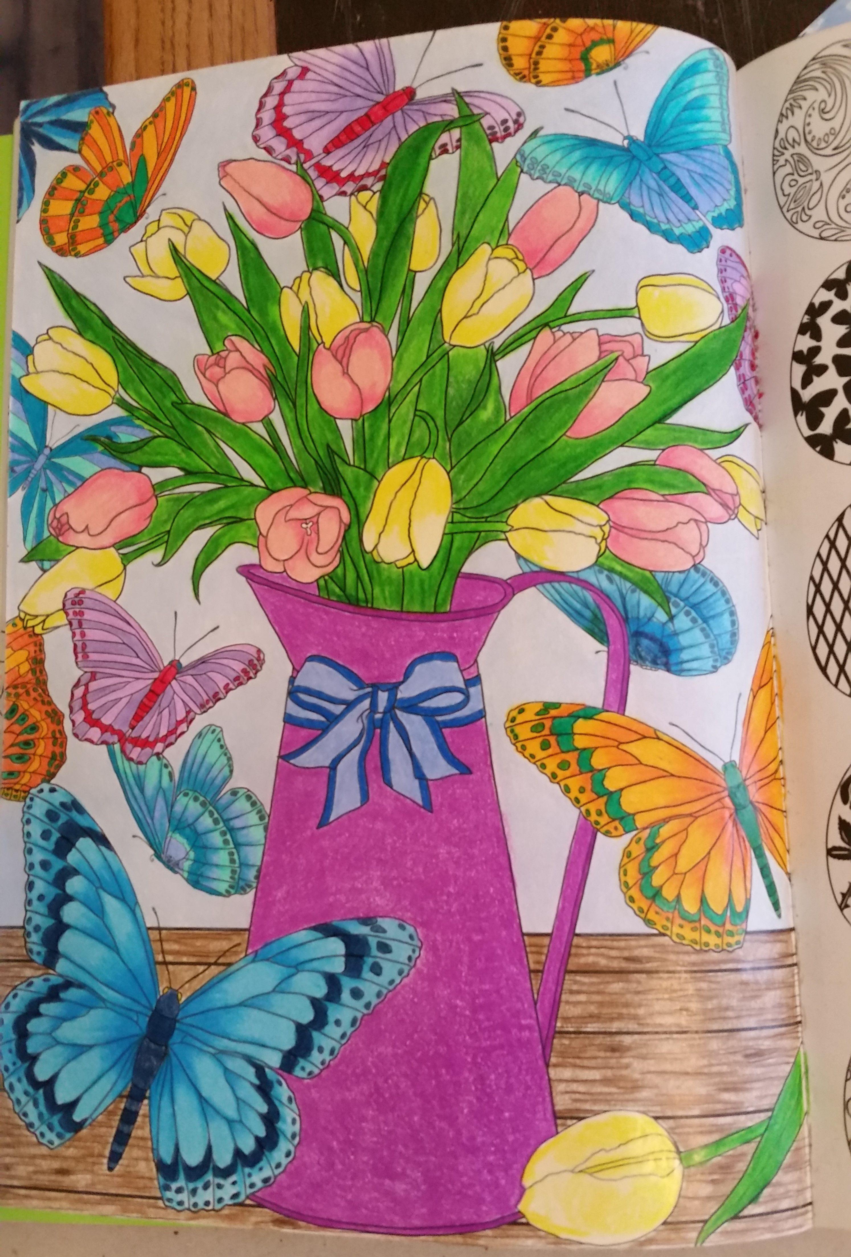 du livre Printemps 100 coloriages anti stress de Hachette Art thérapie ArtTherapy