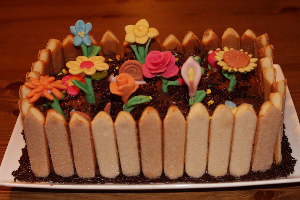 Flower garden cake... Cute   Garden cakes, Cake recipes ...