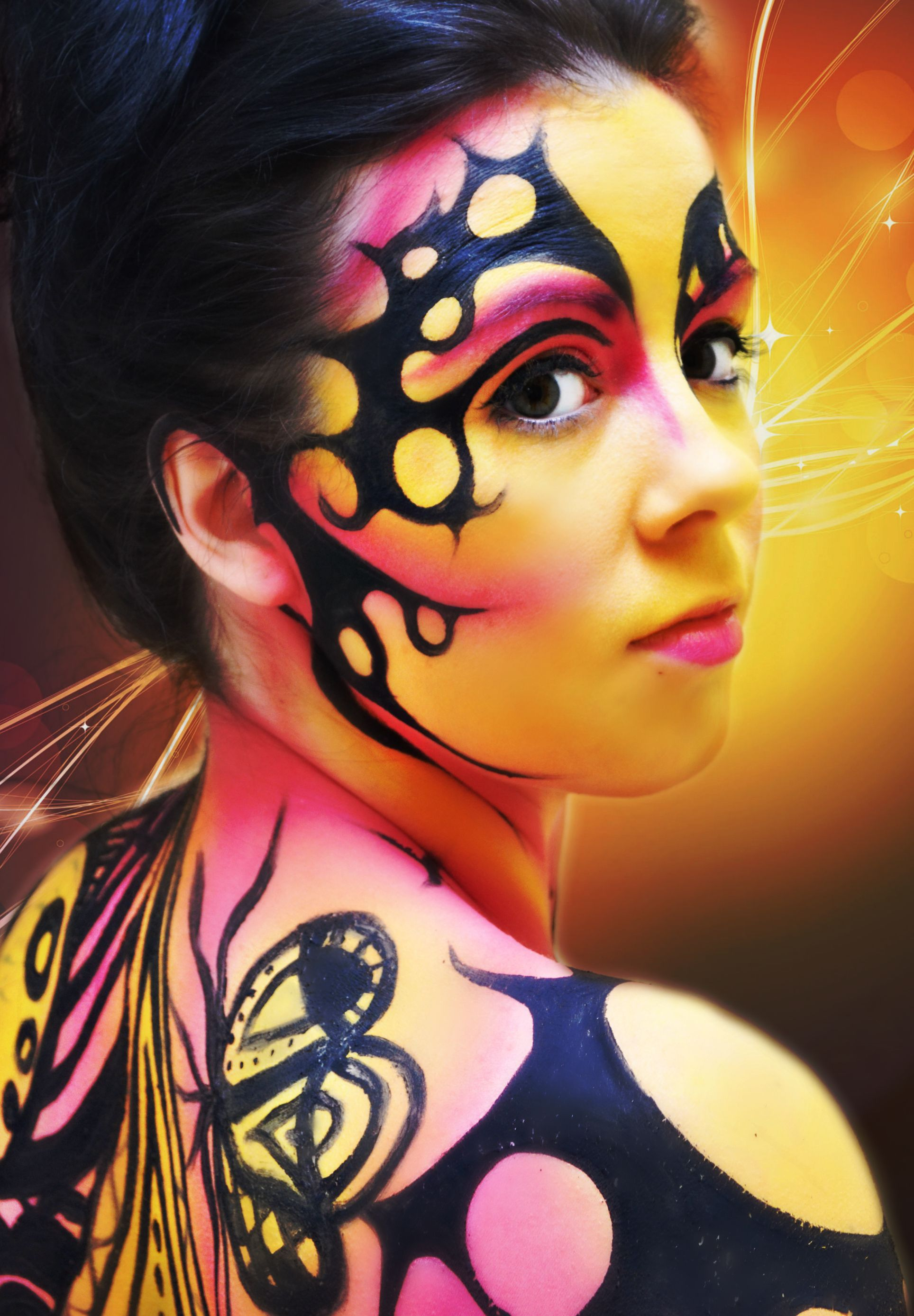 Make Up For Ever demostrates how to body paint at our Vaughan location.