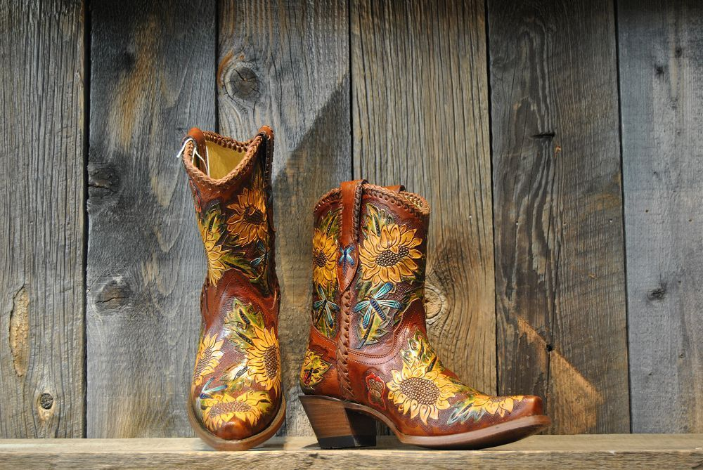 Slopeside Cowboy Corral Sunflower Dragonfly Boot Brown 8m Dresses With Cowboy Boots Boots Cowboy Boots