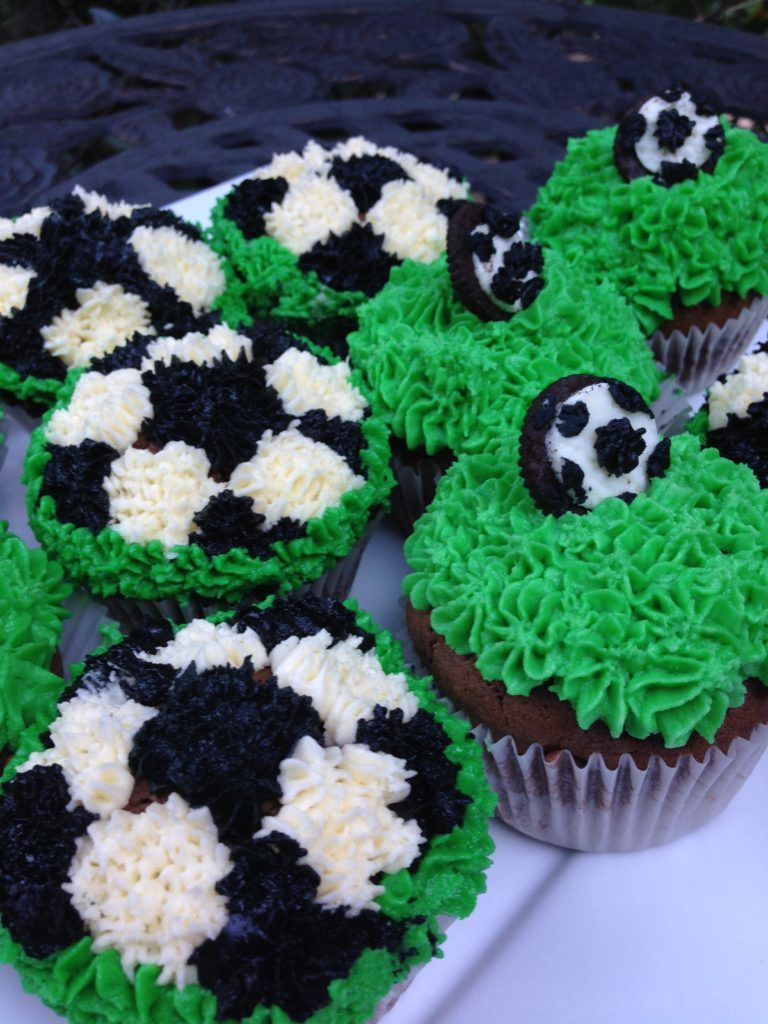 Super Easy Chocolate Soccer Cupcakes Sweetie Pie And Cupcakes Soccer Cupcakes Easy Chocolate Cupcake Bakery