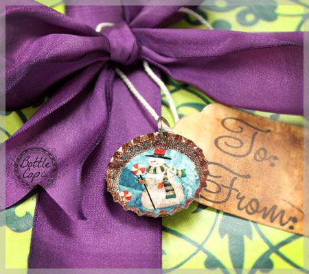Dress up that christmas tag using a burlap bottle cap and a vintage christmas image!