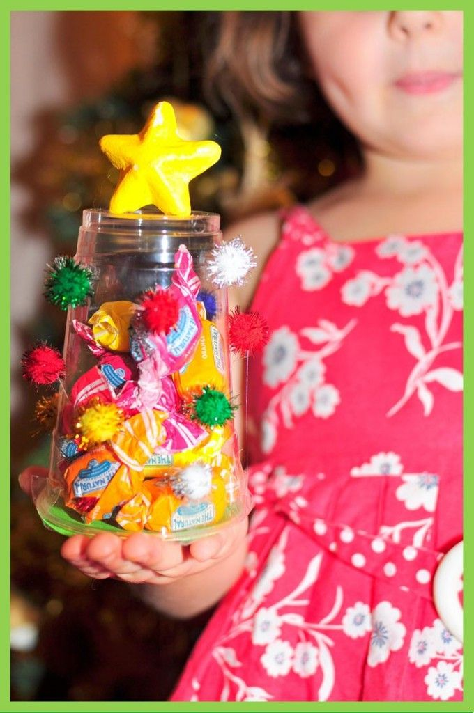Easy peasy Plastic Cup Christmas craft gift idea - great for a