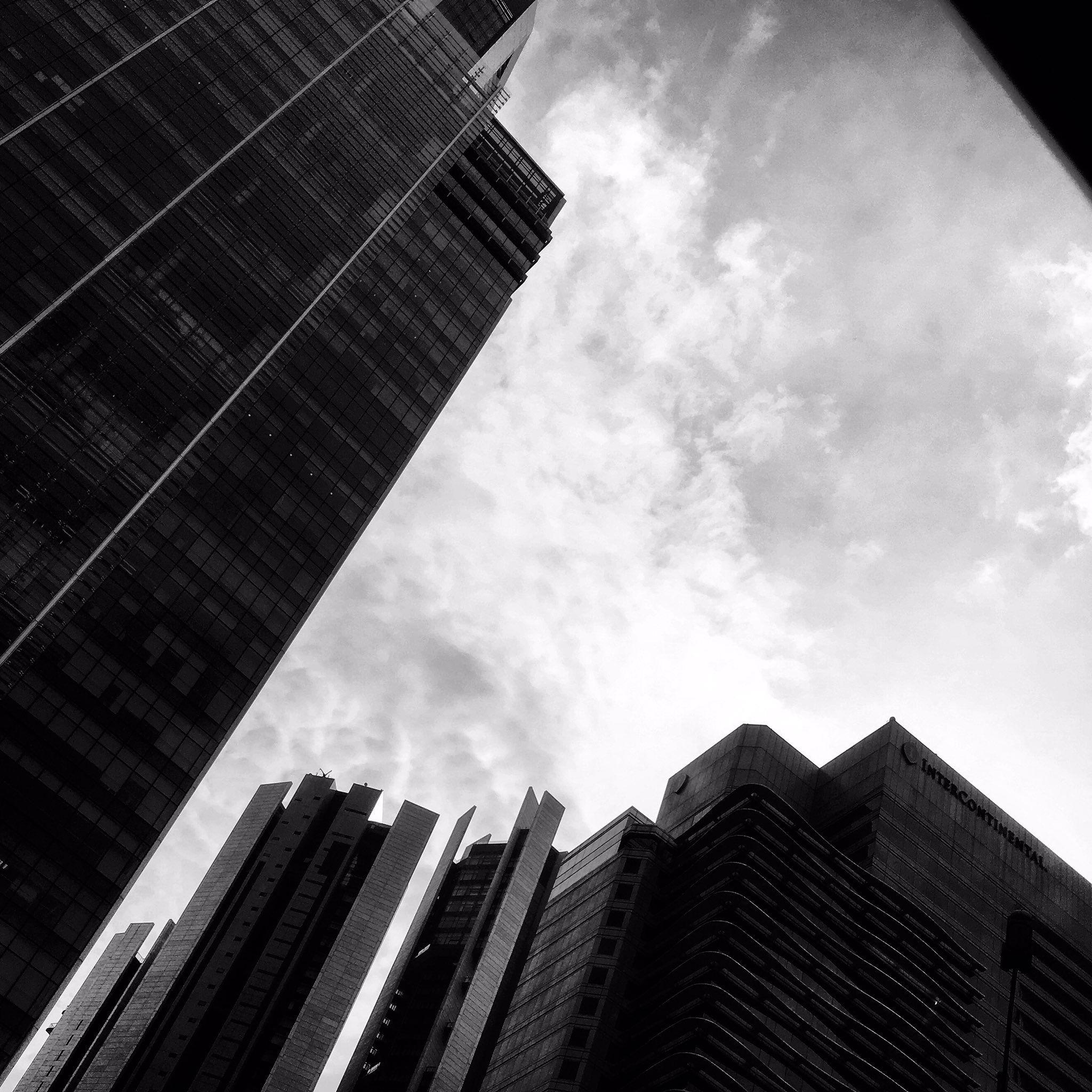 RT: Monochrome skylines #monochrome #photography https://t.co/jZySJddMa1 via EricLeePTH #followme #photography