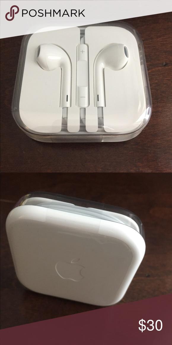 New Original Apple Earbuds Earpods Lightning Original Apple Earpods W Lightning Connector New In Original Apple Packaging Appl Earbuds Apple Apple Packaging