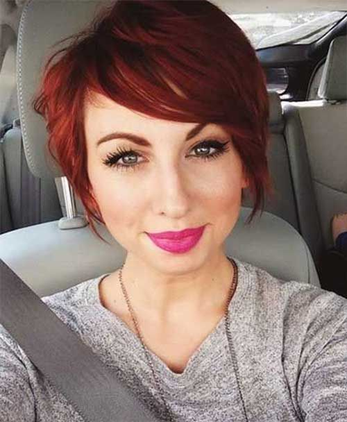 Look cabello corto rojo
