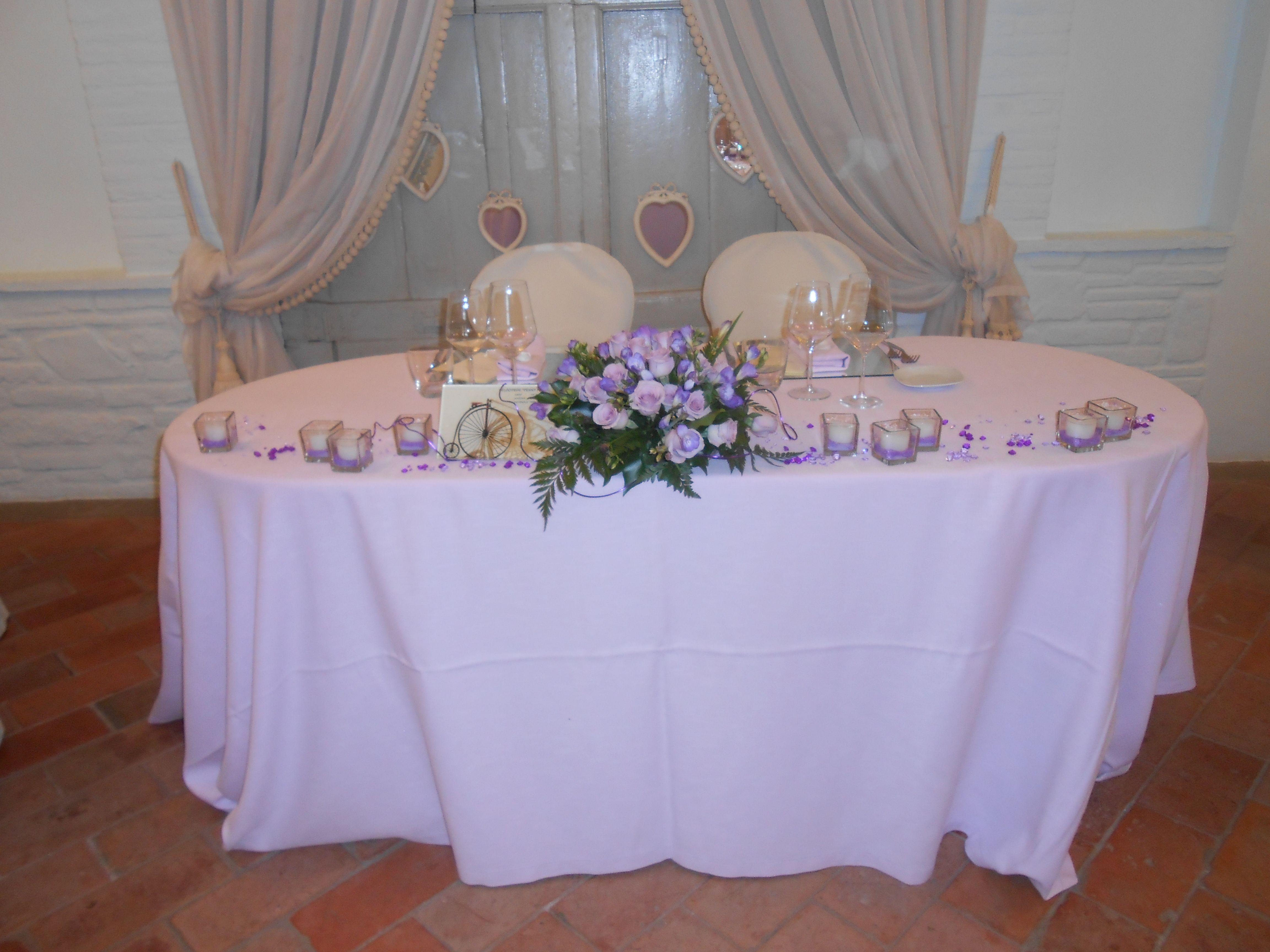 Matrimonio Rustico Napoli : Decorazione tavolo sposi bianco e lilla il petriccio